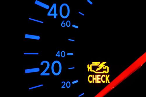 Những sai lầm khi lái xe có thể phá hủy ô tô của bạn nhanh nhất
