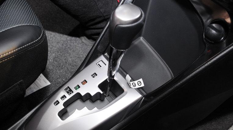 Những điều quan trọng cần chú ý khi lái xe số tự động