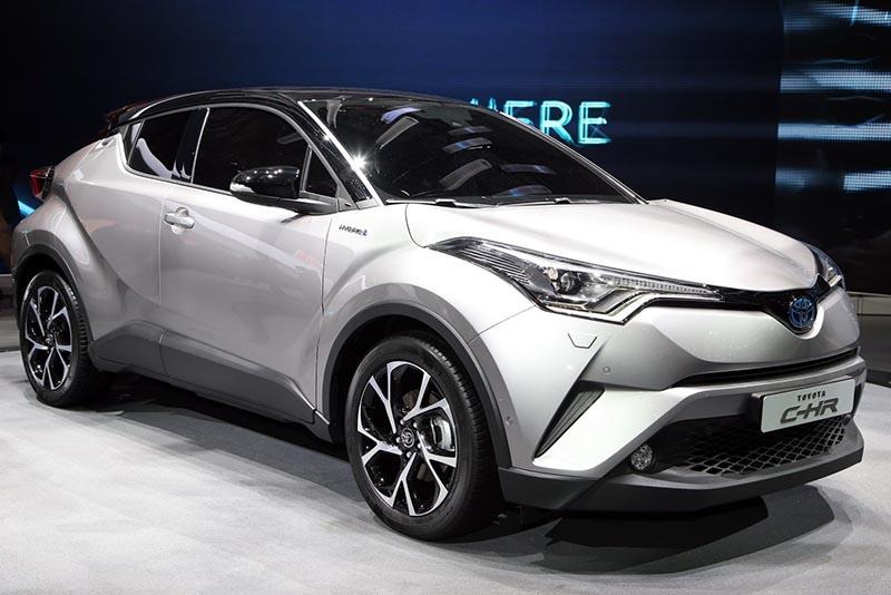 """Chính thức mở bán Toyota C-HR 2017 với ngoại hình """"ngầu"""" hơn hết"""