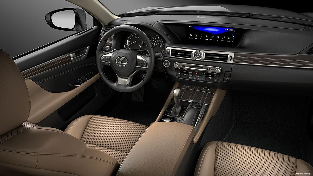 Nội thất xe Lexus GS được trang bị nhiều tính năng tiện nghi