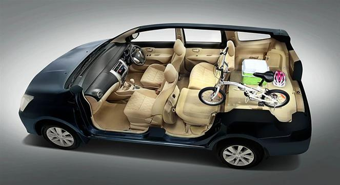 Nissan-grand-livina-dong-crossover-cho-ho-gia-dinh-02.jpg