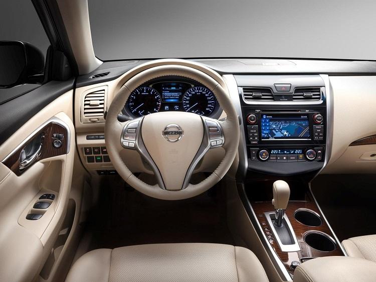 Nissan-teana-sedan-hang-trung-tot-nhat-03.jpg