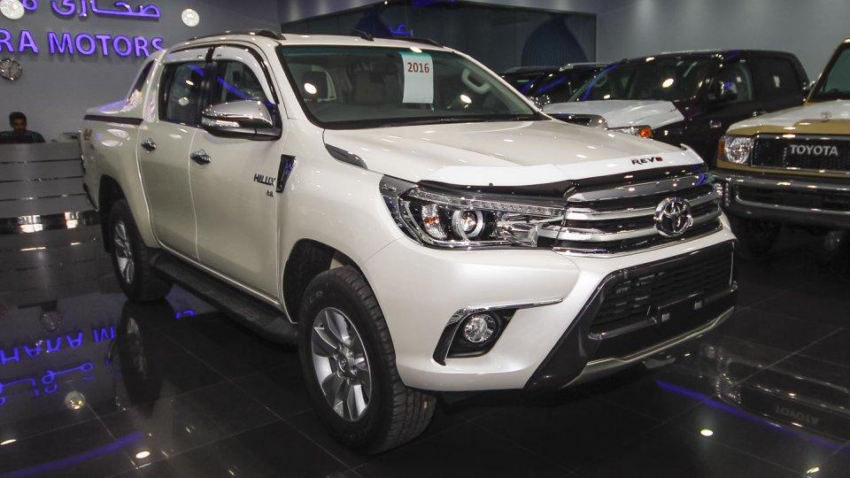 Toyota Hilux Revo G: Cuộc cách mạng thành công của dòng bán tải