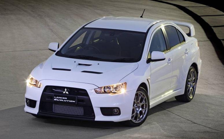 Mitsubishi Lancer Evolution 2015 có động cơ vượt trội