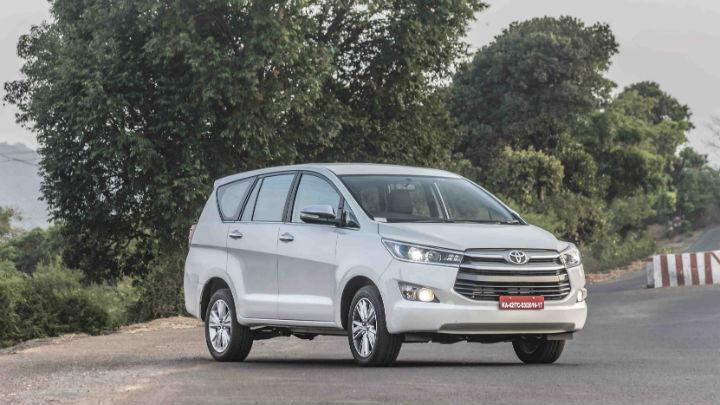 Giá thành ô tô Toyota Innova cũ nhập khẩu khá