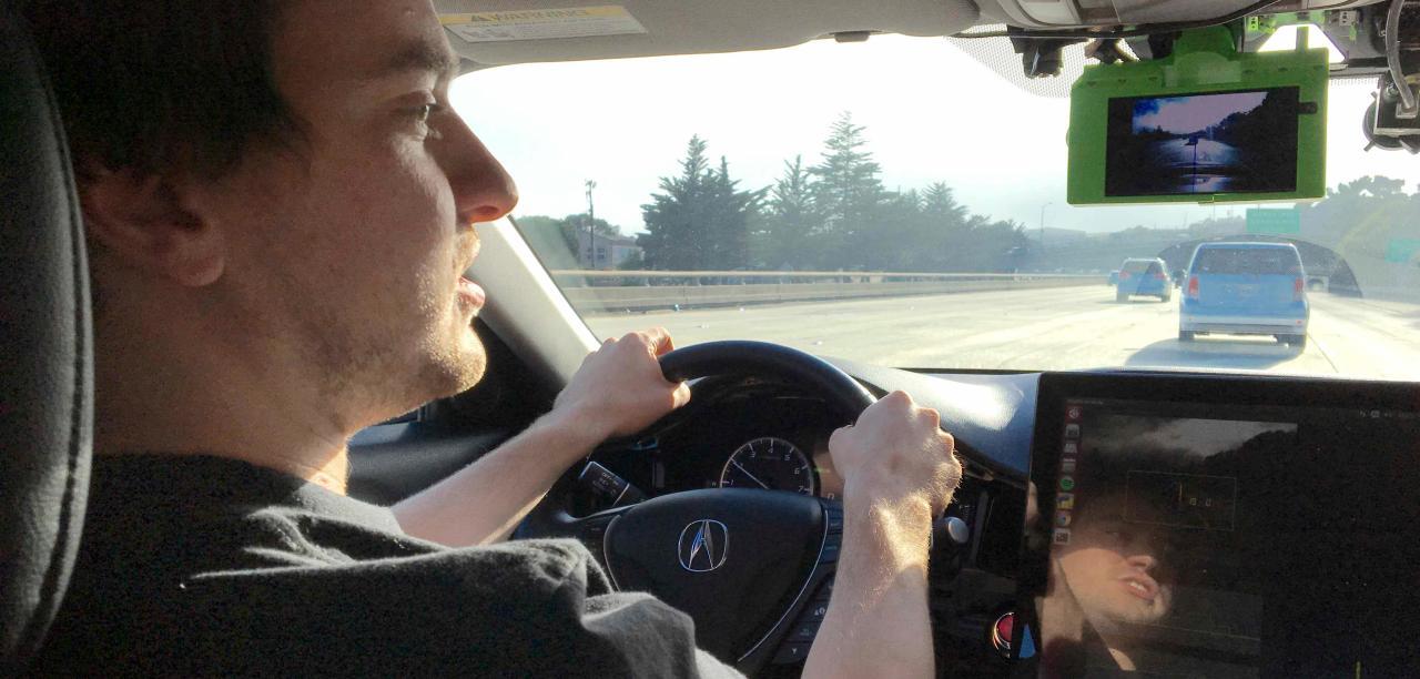 Biến Honda Civic 2016 thành xe tự lái với 700 USD