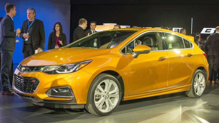 Chevrolet Cruze Diesel 2017 hai tùy chọn hộp số sàn và hộp số tự động (1).jpg