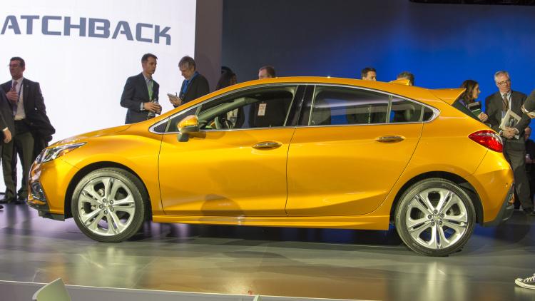 Chevrolet Cruze Diesel 2017 hai tùy chọn hộp số sàn và hộp số tự động (3).jpg