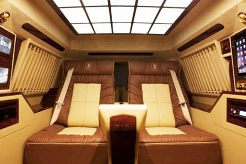 Chiêm ngưỡng nội thất bậc nhất của Toyota Land Cruiser bản độ chống đạn