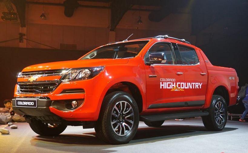 Chevrolet Colorado có giá mua ban oto tại Việt Nam rẻ hơn nước ngoài