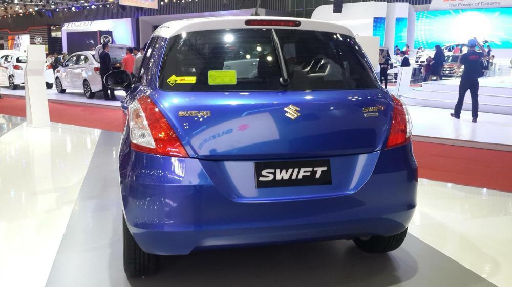 Suzuki Swift Speciate với nhiều chi tiết mạ vàng đẹp mắt