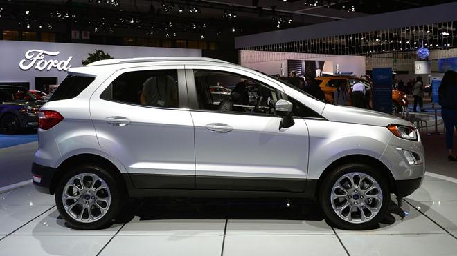 Độ hao xăng của xe Ford Laser khoảng 7 lít/100km, khá tiết kiệm nhiên liệu