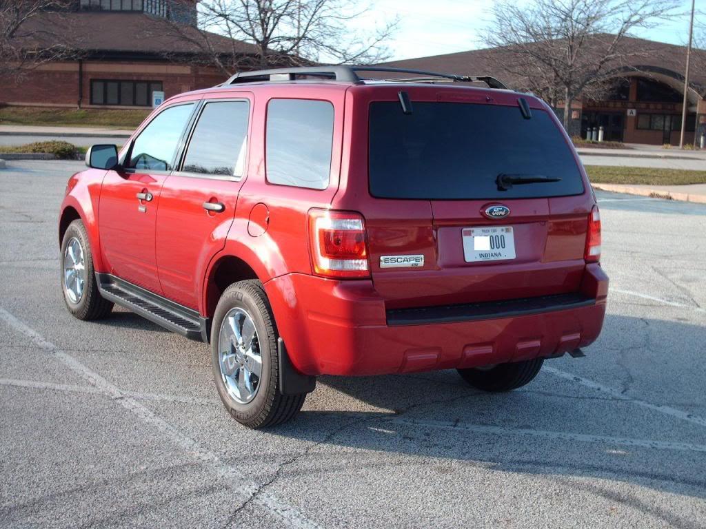 Ford Escape 2003: Liệu ưu điểm có bù được khuyết điểm