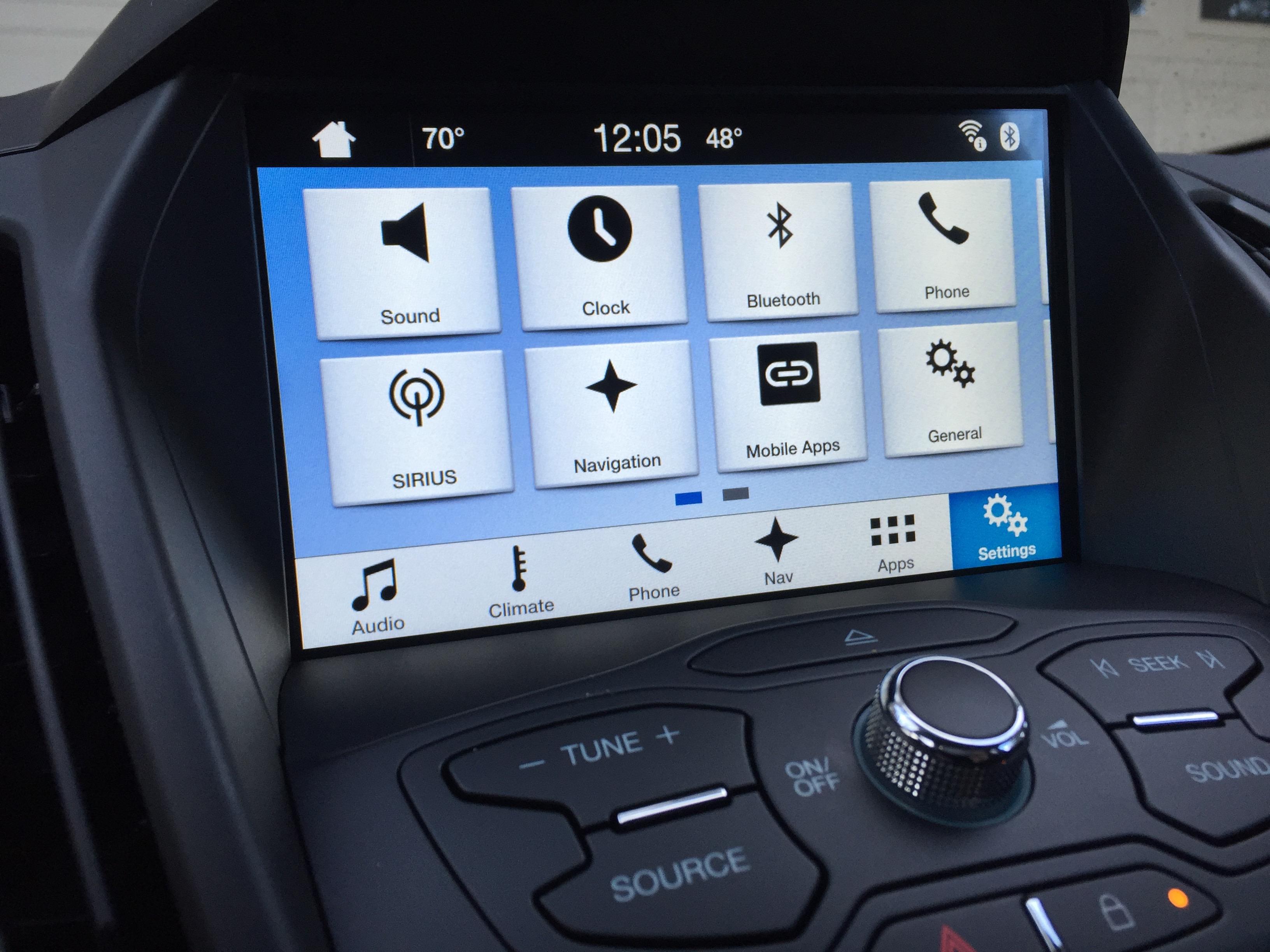 Ford Ranger 2017 được trang bị hệ thống SYNC 3