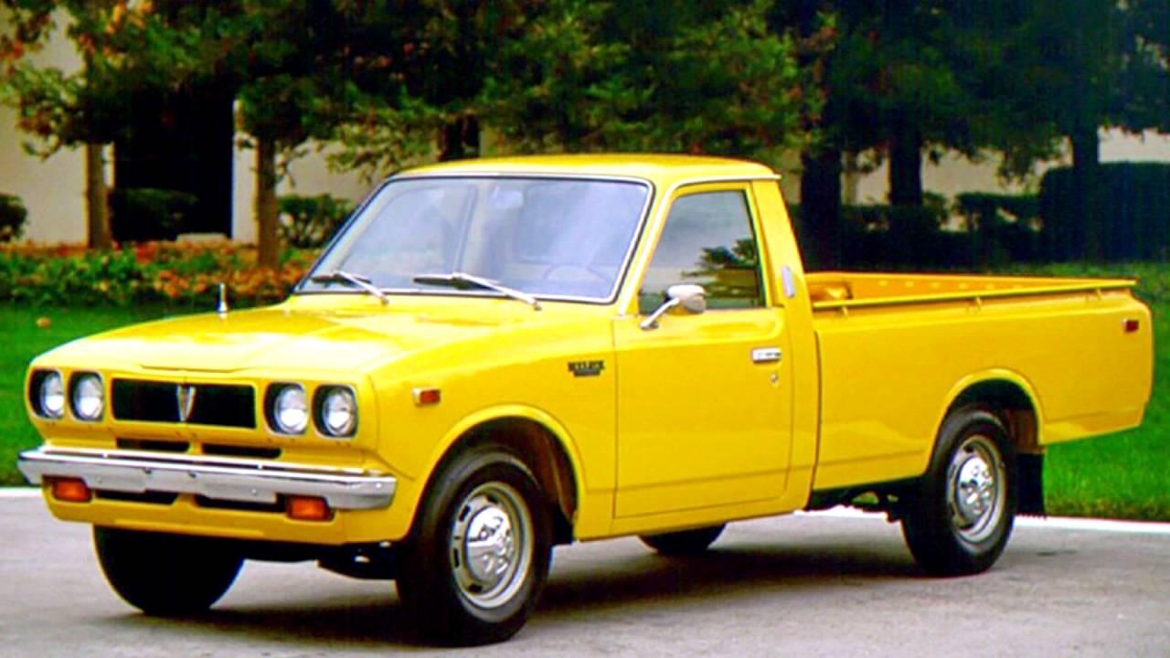 Khám phá 7 thế hệ của Toyota Hilux