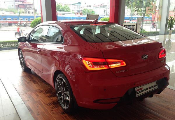 Kia Cerato Koup 2014 có giá bán cao ngất ngưỡng