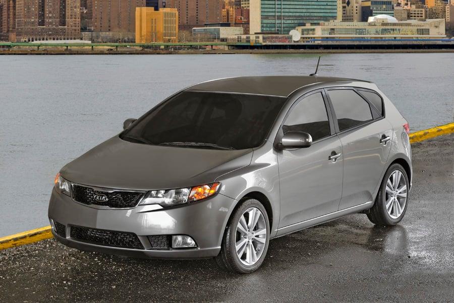 Chọn Kia Forte, Taurus hay Honda City cũ trong năm 2017?
