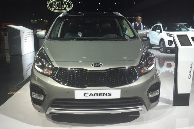 KIA giới thiệu Kia Carens 2017 tại triển lãm ôtô Paris