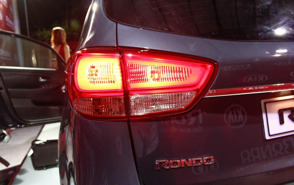 Kia Rondo có giá từ 729 triệu đồng (P2)