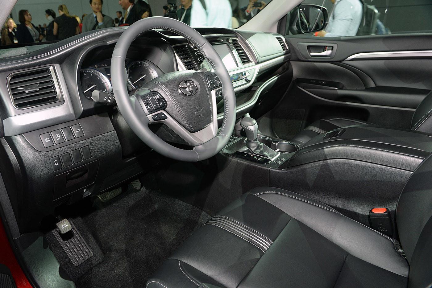 Mẫu SUV Highlander 2017 có giá từ 30.630 USD tại Mỹ