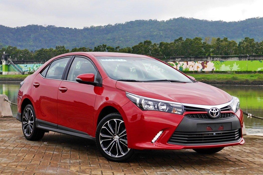 Toyota Corolla Altis X cuốn hút với ngoại hình thể thao