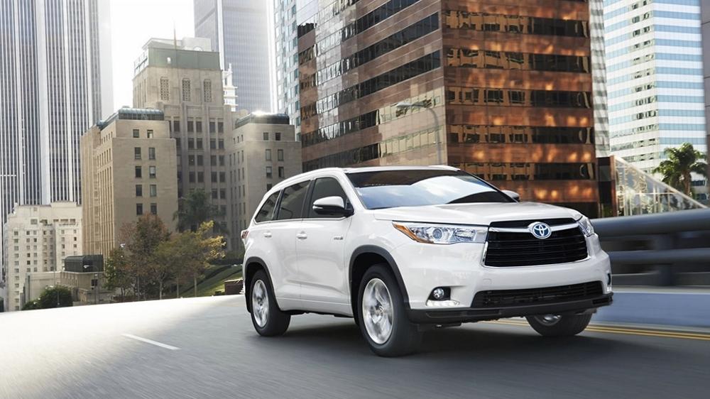 Toyota Highlander và Ford Edge: Hai đối thủ nặng ký trong dòng SUV