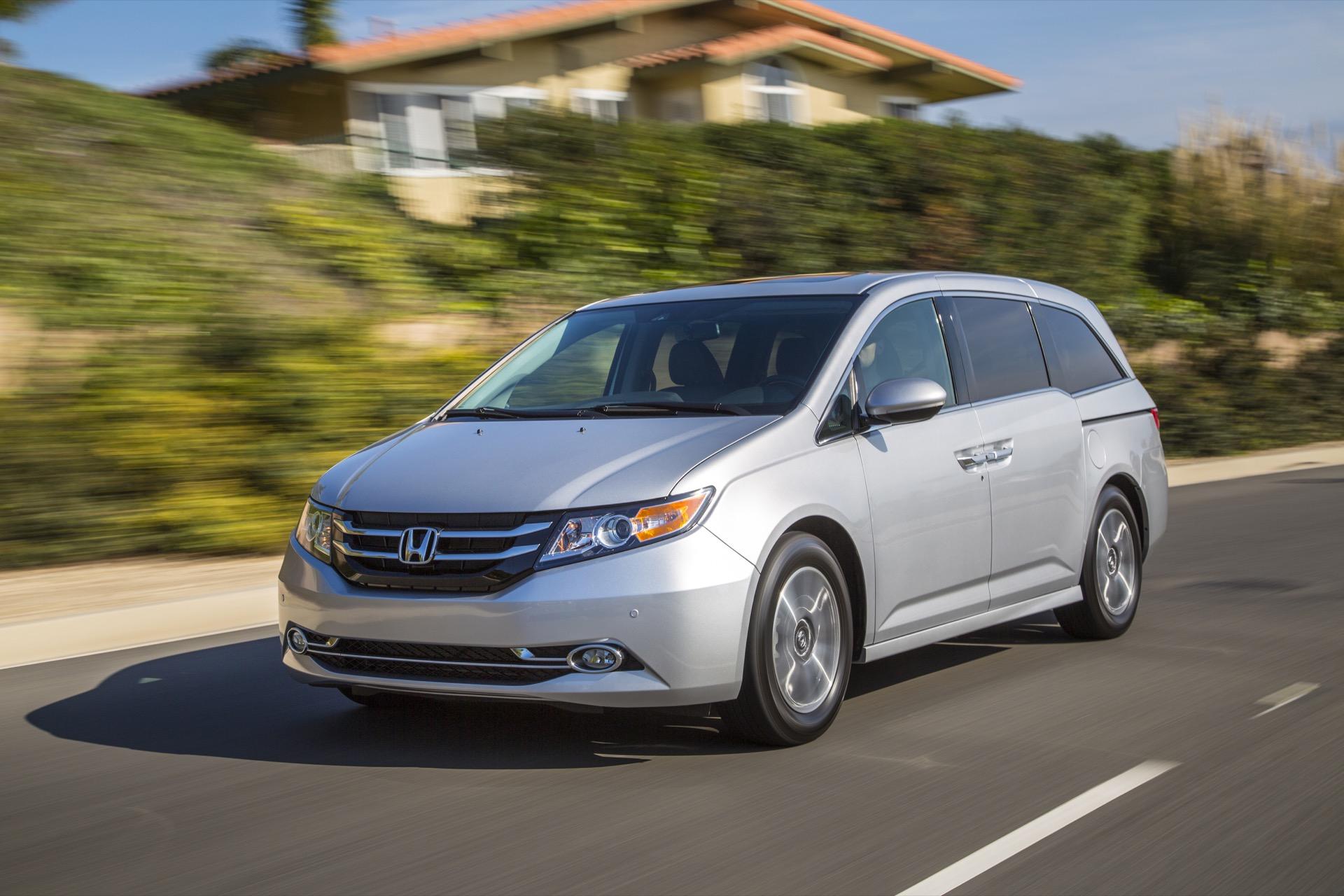 sienna 2016 lọt top các xe minivan an tòan nhất hiện nay