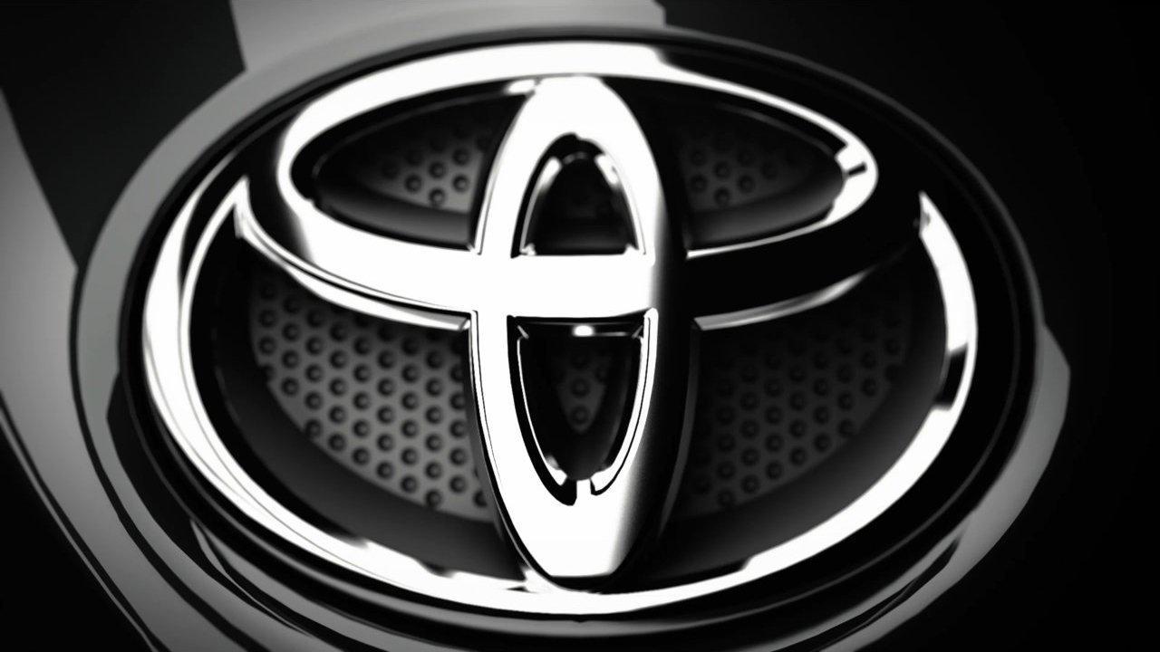Vì sao Toyota Fortuner giá đắt nhưng bán chạy?